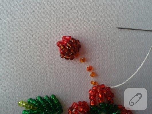 boncuktan-cicek-nasil-yapilir-9