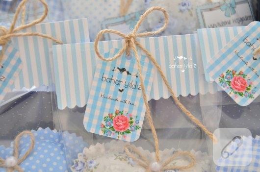 mavi-kalp-seklinde-lavanta-kesesi-erkek-bebek-sekerleri-4
