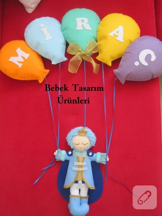 keceden-balon-ve-prens-figurlu-erkek-bebek-kapi-susu-modelleri