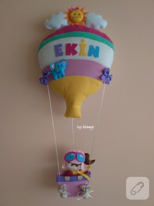 keceden-ucan-balon-kiz-bebek-odasi-kapi-susu