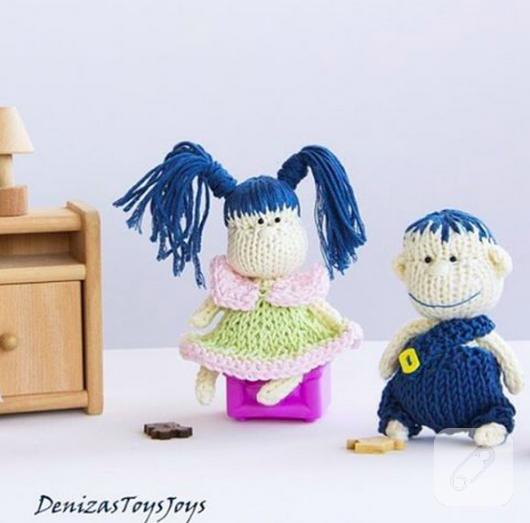 amigurumi-mavi-sacli-kiz-ve-erkek-orgu-oyuncak-bebekler