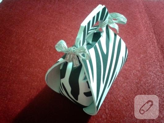 evadan-hediye-paketi-yapimi-kagit-sablonlar-1