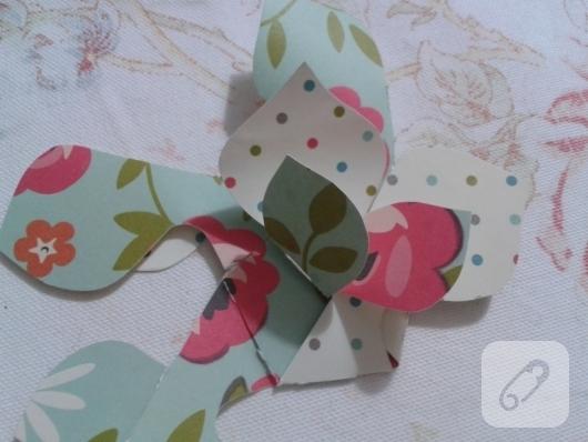 kartondan-origami-cicek-nasil-yapilir-10