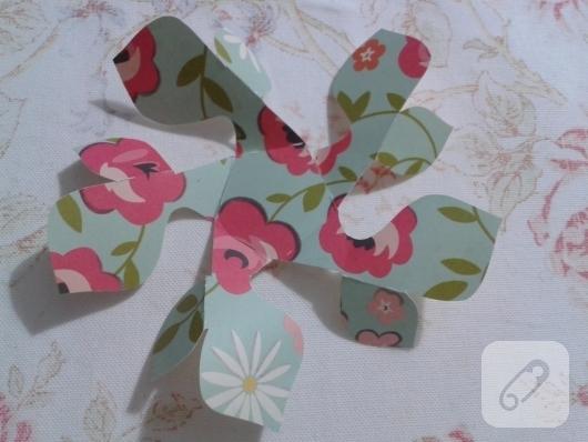 kartondan-origami-cicek-nasil-yapilir-7