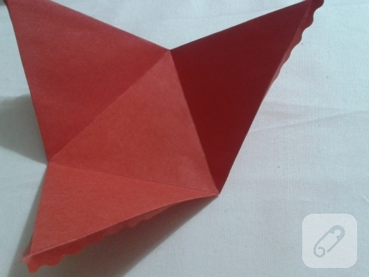kartondan-ucgen-hediye-paketi-yapimi-anlatimli-6