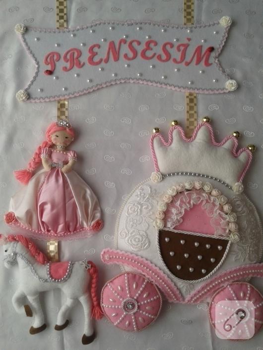 keceden-balkabagi-ve-prenses-suslemeli-pembe-kiz-bebek-odasi-kapi-susu-ornekleri