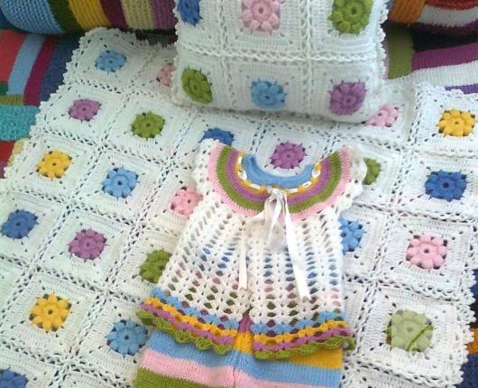 rengarenk-tig-isi-bebek-battaniyesi-ve-yastik-modeli