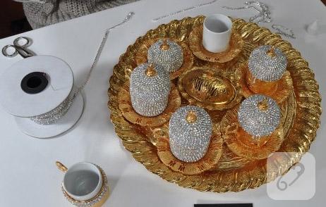 sirali-kristal-taslarla-fincan-takimi-susleme-1