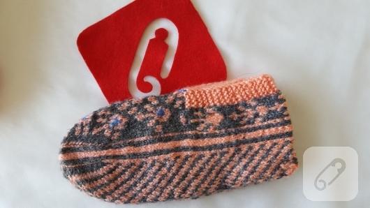 gri-turuncu-beyaz-orgu-patik-modeli