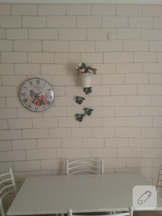 komur-ile-tas-duvar-seklinde-duvar-boyamasi