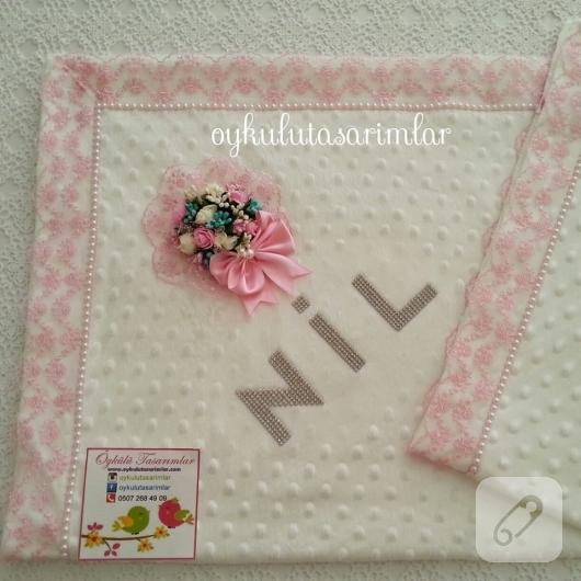 pembe-dantel-suslemeli-kiz-bebek-battaniye-modelleri