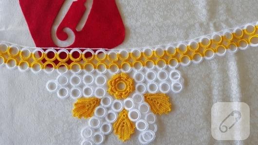 sari-beyaz-tig-isi-halkali-havlu-kenari-modeli