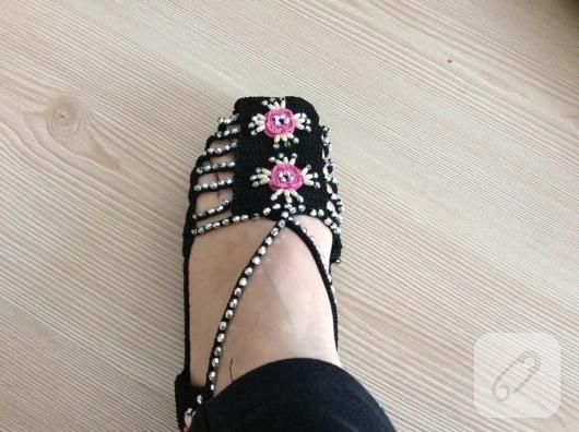 tig-isi-boncuk-suslemeli-sandalet-patik-orgusu-anlatimli-patik-modelleri-2