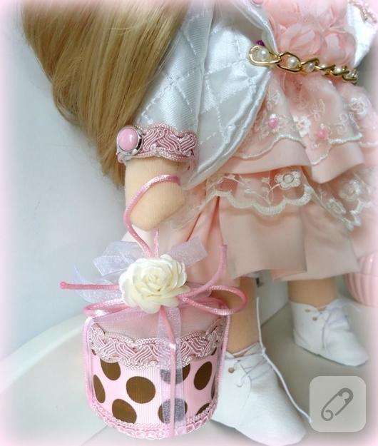 dantel-elbiseli-tilda-bez-bebek-modelleri-10