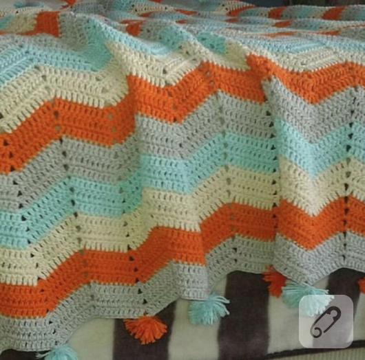 capraz-cizgili-tig-isi-renkli-bebek-battaniyesi-modeli