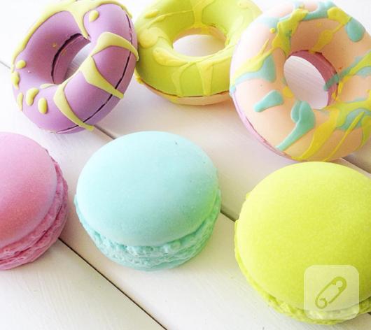 donut-ve-macaron-kokulu-tas-modelleri