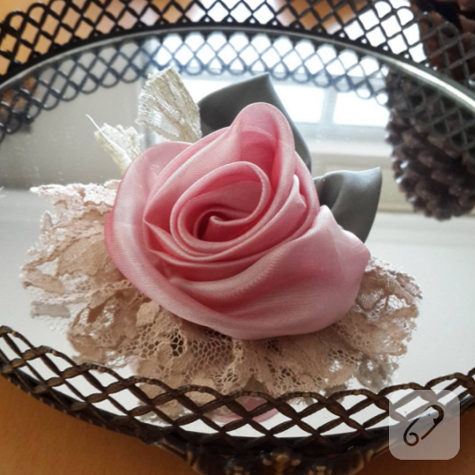 pembe-suslu-dekoratif-kumas-gul