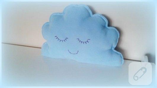 polar-kumastan-mavi-bulut-dekoratif-yastik-modeli-2
