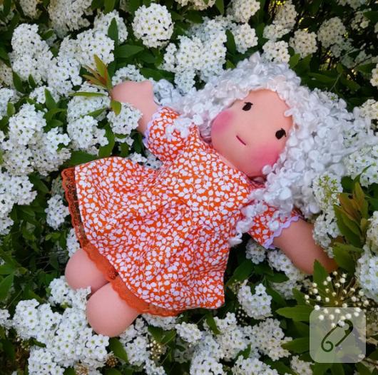 cicekli-elbiseli-al-yanakli-bez-bebek-oyuncak