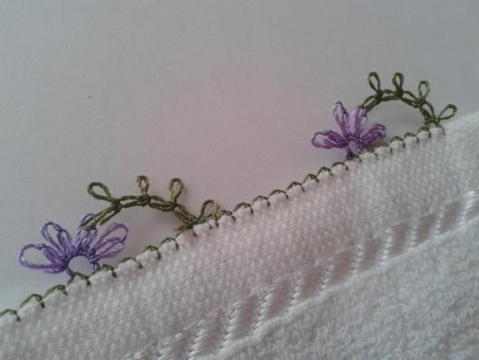iğne oyasından çiçekli havlu kenarı yapımı (3)
