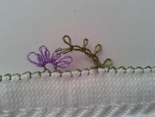 iğne oyasından çiçekli havlu kenarı yapımı (4)