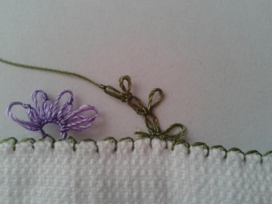 iğne oyasından çiçekli havlu kenarı yapımı (5)