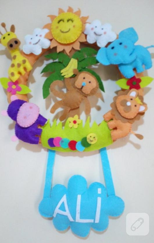 keceden-safari-temali-bebek-odasi-kapi-susu-modelleri-2