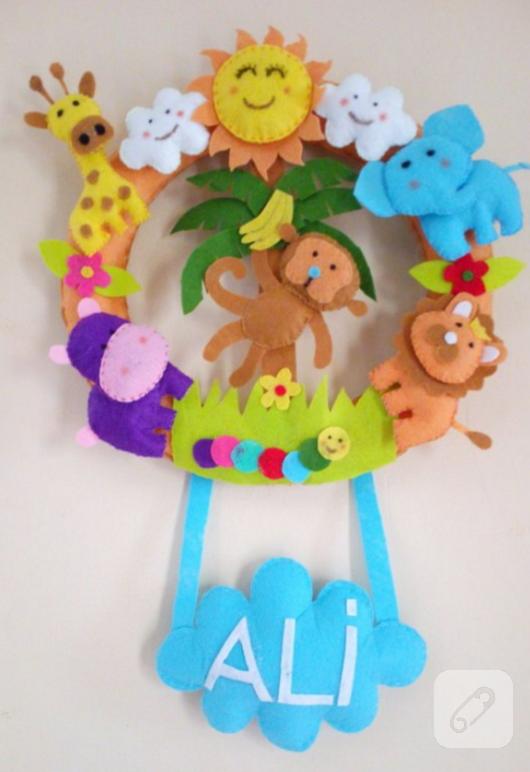 keceden-safari-temali-bebek-odasi-kapi-susu-modelleri
