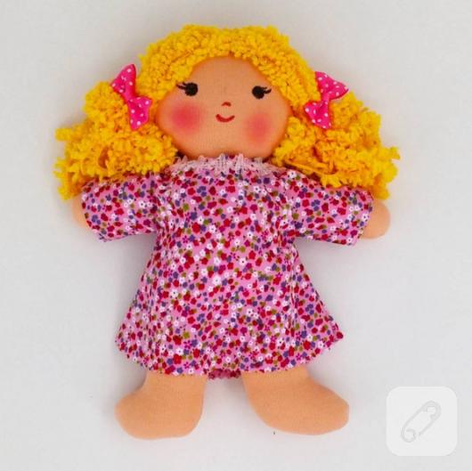 sari-sacli-cicekli-elbiseli-sirin-bez-bebek-oyuncak