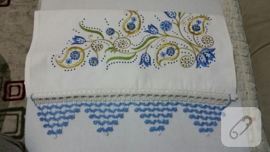 tig-isi-mavi-ucgen-motifli-havlu-kenari-yapimi