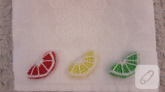 tig-isi-meyve-figurleri-ile-suslenmis-havlu-modelleri