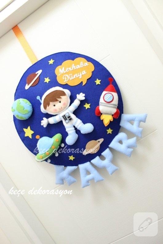 uzay-temali-keceden-bebek-odasi-kapi-susleri-3