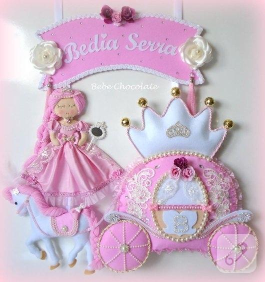 kece-prensesli-balkabagi-pembe-bebek-odasi-kapi-susleri