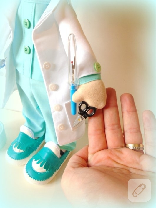 tilda-bebek-kumas-doktor-oyuncaklari-7