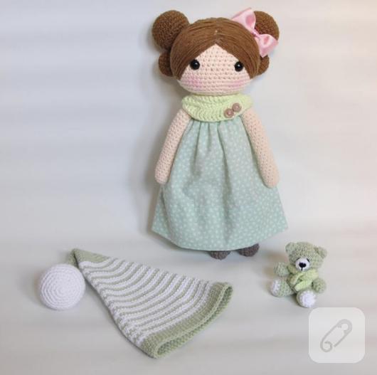 amigurumi-orgu-oyuncak-bebek-7