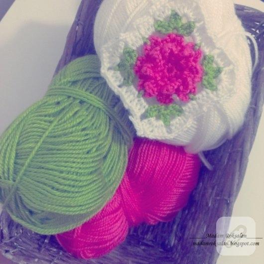 pembe-cicek-motifli-bebek-battaniyesi-ornekleri