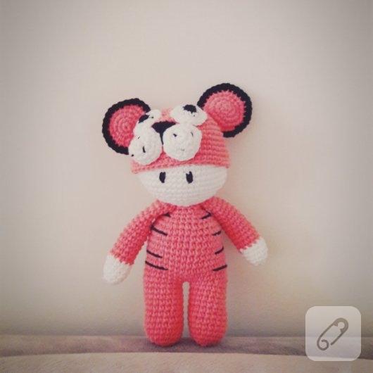 amigurumi-oyuncak-orgu-bebekler-3