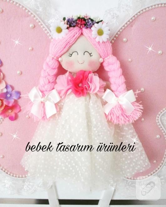 pembe-kelebek-prensesli-kiz-bebek-odasi-kapi-susu-modelleri-2