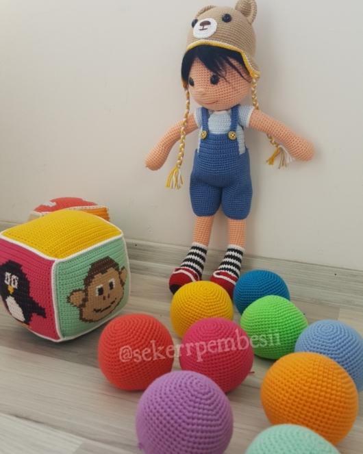 Aşık Erkek Bebek Tarifi - Ücretsiz Amigurumi Oyuncak | 663x530