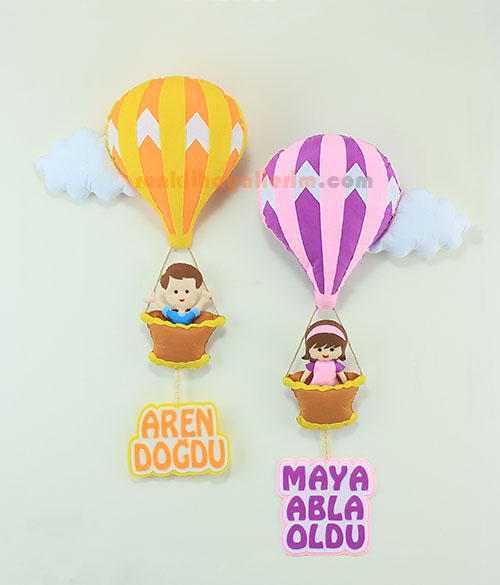 Aren ve Maya kardeşler sıcak hava balonlu bebek kapı süsü