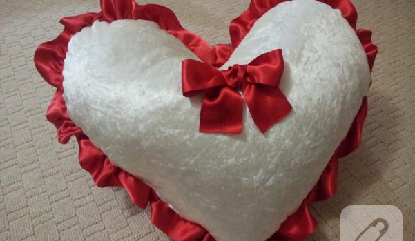 kalp-yastik-heart-pillow