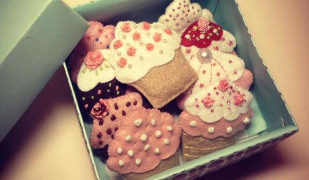 cupcake pembe camekan filigranlı