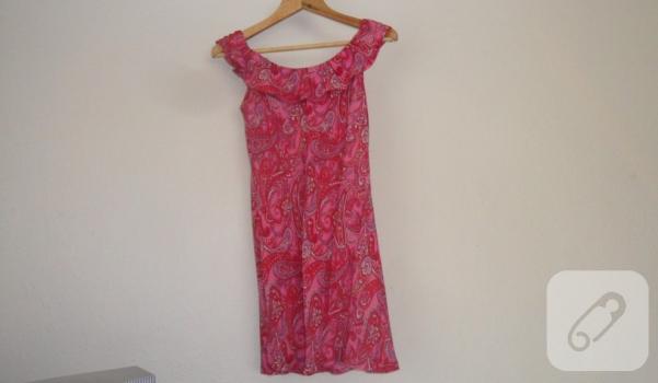 elimde diktiğim elbise... etek ucunda volonların olması için enine kestim. ve boyun çevresine fırfır yaptım