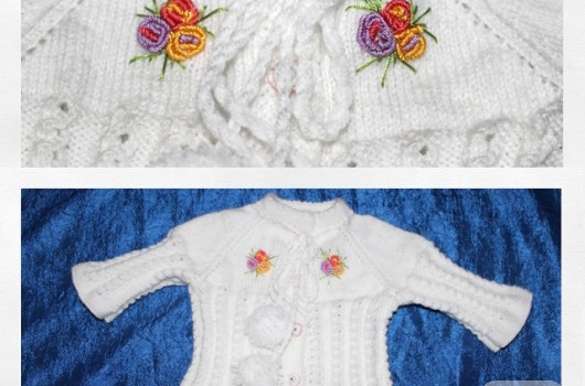 bebek-orguleri-ponponlu-beyaz-bebek-hirkasi