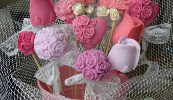 dekoratif-el-yapimi-sabun-buketi