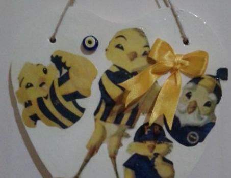 fenerbahce-temali-dekupaj-suslemeli-duvar-susu
