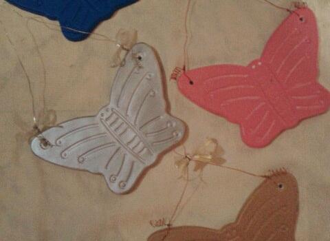 kelebekli-duvar-susu-modelleri