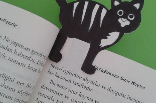 kartondan-kedili-kitap-ayraci-yapimi-8
