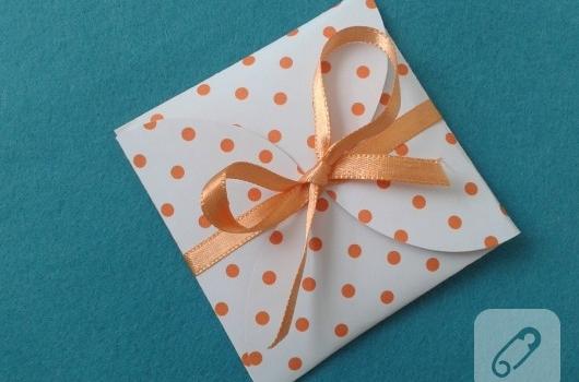 kartondan-hediye-paketi-yapimi-1