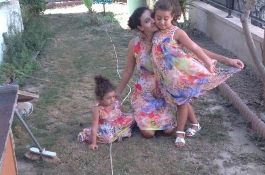 anne-kiz-elbise-takimlari